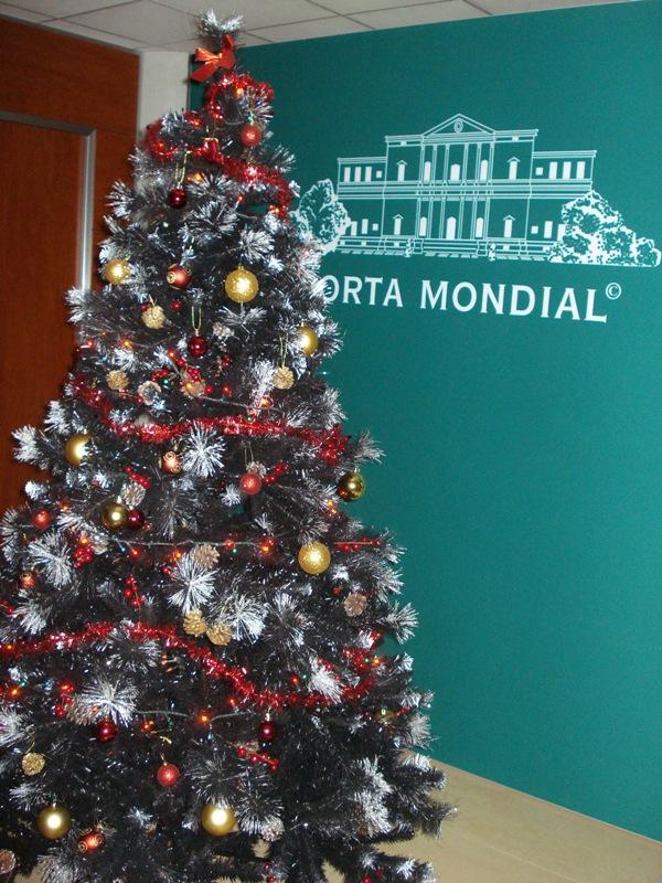 Weihnachtsbaum im Büro