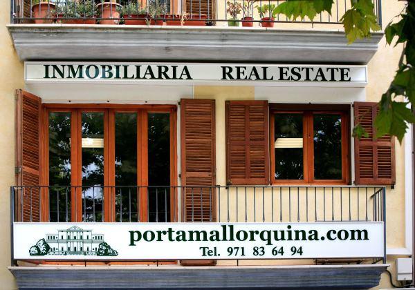 Das erste Porta Mallorquina Immobilienbüro in Artà.