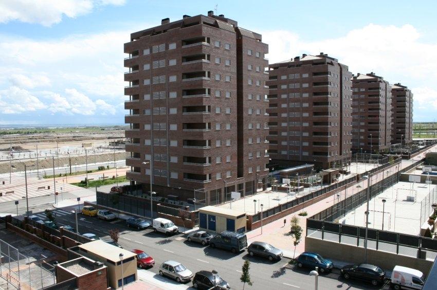 Geisterstadt - in der Siedlung El Quiñón 35 Kilometer südlich von Madrid stehen die meisten Wohnungen leer. Bild: Spiegel Online