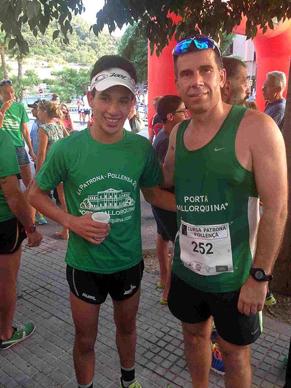Lizenzpartner  John van Eenennaam (hier links zusammen mit dem Gewinner des Laufs, Abdessi Rja rechts)