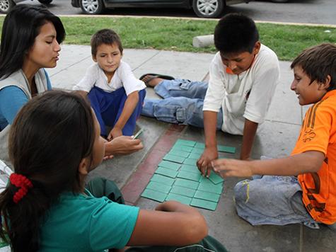 Spielende Heimkinder
