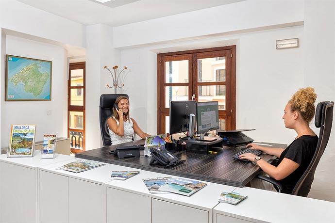 Das Gute an renommierten Maklern wie Porta Mallorquina oder Ferienhausvermittlern wie Porta Holiday ist, dass sie ihre Objekte kennen.
