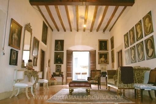 Prachtvoller Palast aus dem 17. Jahrhundert im Zentrum von Soller