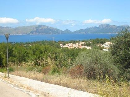 Vier fantastische Grundstücke mit Meerblick