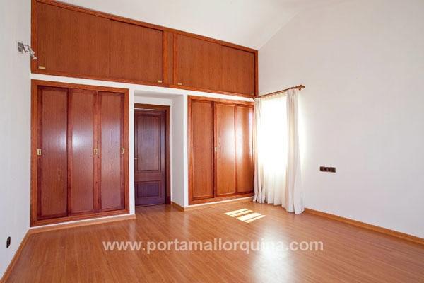 hochwertiges chalet mit panoramablick. Black Bedroom Furniture Sets. Home Design Ideas