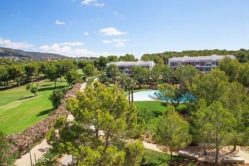 Moderne Neubauwohnungen mit herrlichem Blick auf den Golfplatz
