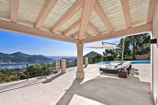 Luxuriöse Villa mit separatem Gästehaus