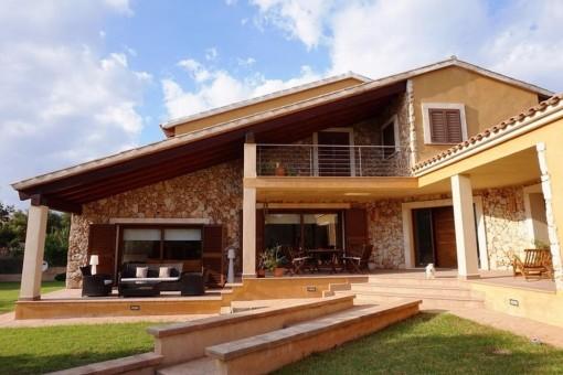 Spektakuläre und exklusive Immobilien in Sant Marchal
