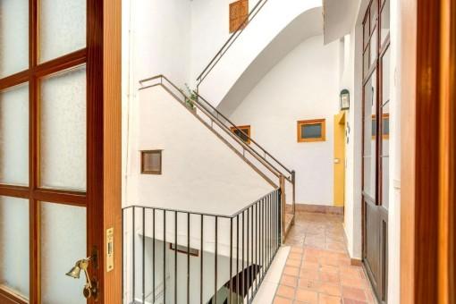 Patio mit Treppenaufgang