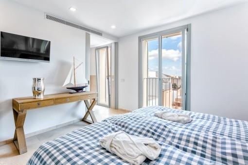 Doppelschlafzimmer mit Tageslicht