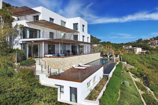 Außenansicht der fantastischen Designervilla
