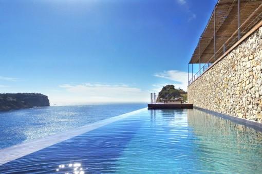 Komplett sanierte Villa mit fantastischem Meerblick in Port d'Andratx