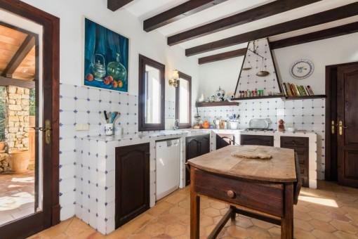 Die Küche bietet einen Zugang zum Außenbereich