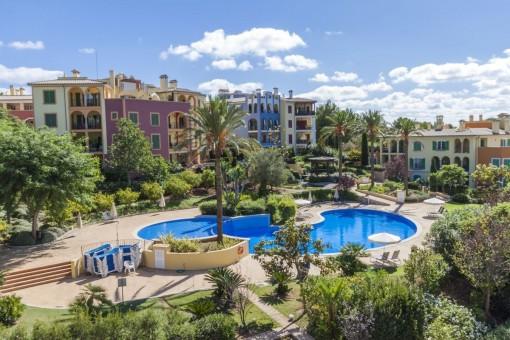 Tolle Wohnung mit privater Terrasse und Gemeinschaftspool in einer Wohnanlage in Bendinat