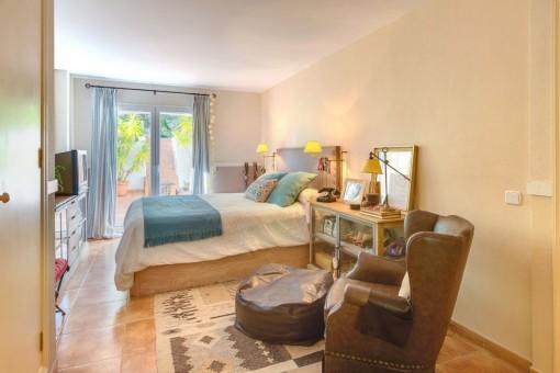 Gemütliches Doppelschlafzimmer mit Terrasse