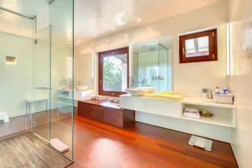 Badezimmer mit viel Platz