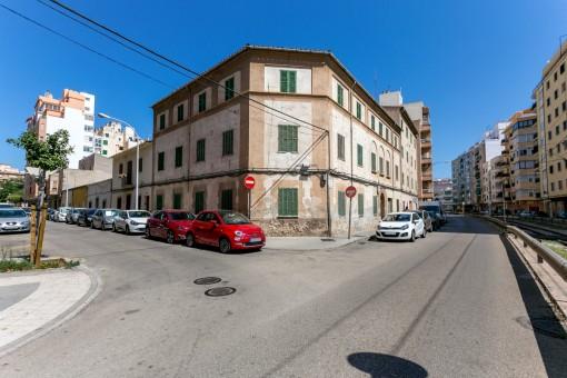 Ensemble von 3 Gebäuden im Zentrum Palmas mit der Möglichkeit zum Umbau in 29 Wohnungen oder ein Hotel