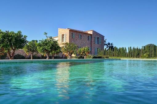 Außergewöhnliches mallorquinisches Landhaus auf neustem Standard und Niveau in Son Negre