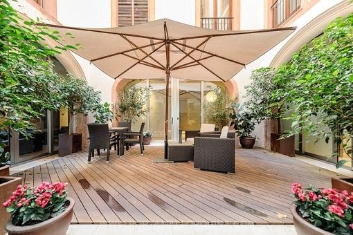 Außergewöhnliche Luxuswohnung mit Patio und Terrasse in bester Altstadtlage in Palma