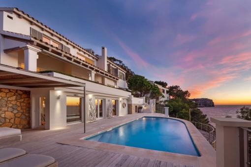 Traumhafte Villa in Port d´Andratx in erster Meereslinie mit atemberaubendem Blick