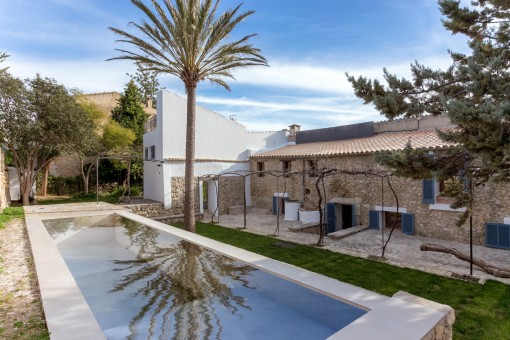 Großes, wunderschön renoviertes Haus in Selva mit Pool, Garage und Einliegerwohnung