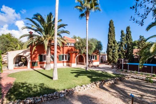 Attraktive Villa mit Gästeapartment und Ferienvermietlizenz