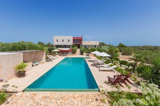 Designer-Landhaus mit Traumblick und Lizenz zur Ferienvermietung in Ses Salines