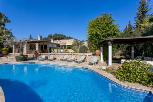 Elegante Villa in Pollença mit Pool, Gästehaus & Vermietlizenz in der Nähe des Golfplatzes