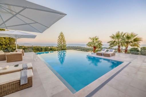 Moderne Villa mit Meerblick in Bendinat