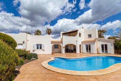 Gepflegte Villa auf einem der schönsten Grundstücke in Vallgornera