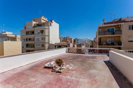 Helle Stadtwohnung nahe Pere Garau mit großer Dachterrasse