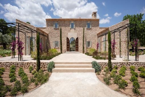 Tolles Neubau-Landhaus mit Pool in der Nähe des Golfplatzes Vall D'or
