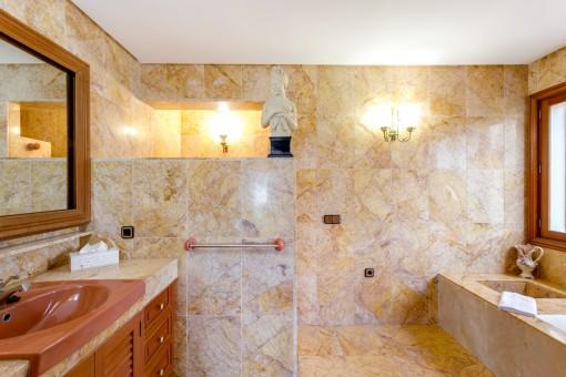 Wunderschönes, mediterranes Badezimmer