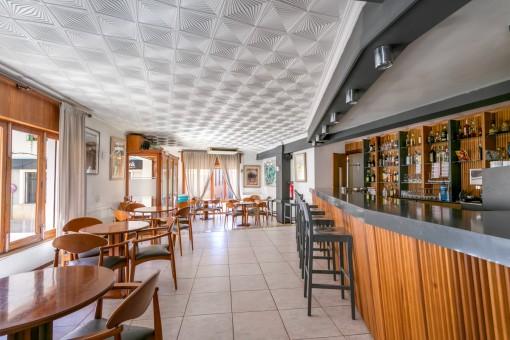 Essbereich mit Bar