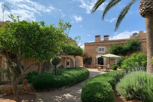 Charmante Finca mit tollem Garten und Pool in Cas Concos