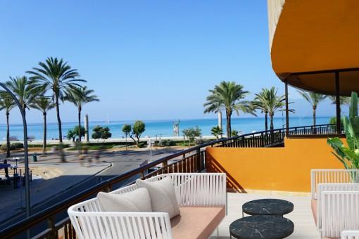 Neu sanierte Wohnung in erster Meereslinie an der Playa de Palma