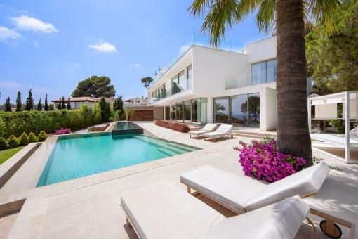 Luxusvilla mit Meerblick im schönen Sol de Mallorca.