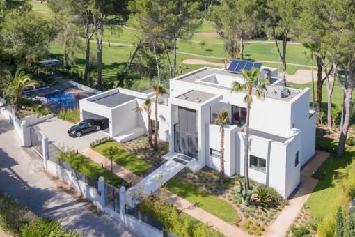 Moderne Neubauvilla direkt am Golfplatz des grünen Son Vidas