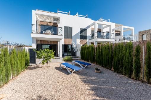 Ausgezeichnete Erdgeschosswohnung mit Garten in Cala Murada
