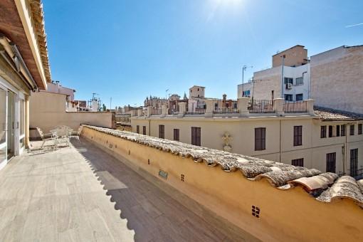 Spektakuläre Wohnung mit Gästeapartment und großer Terrasse in einem historischen Palast - Can Amorós - im Herzen von Palma