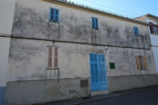 Dorfhaus zum Renovieren mit 900 qm Garten in Maria de la Salut