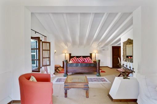Schönes Schlafzimmer mit Terrasse