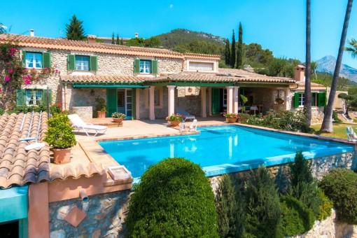 Mediterrane Finca mit Pool, Gästehaus und fantastischer Aussicht in Toplage in Es Capdella