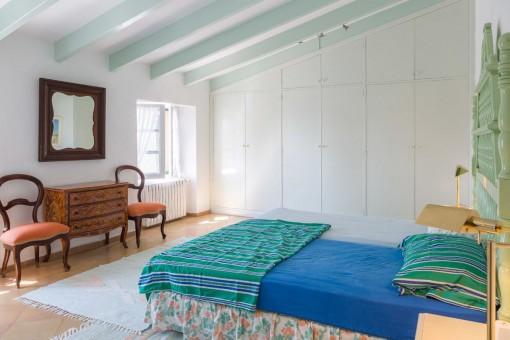 Großes Hauptschlafzimmer