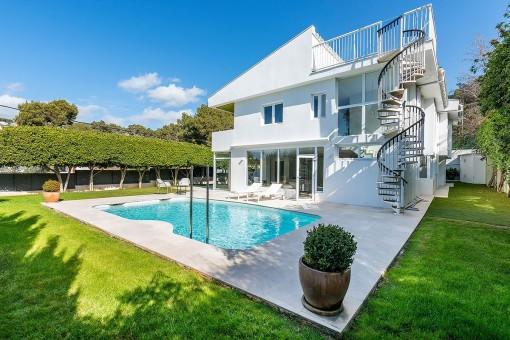 Komplett renovierte Villa mit Meerblick im beliebten Alt Bendinat