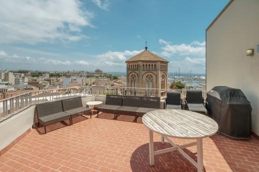 Spektakuläres Penthouse Apartment im Herzen von Santa Catalina mit großer Terrasse und Meerblick