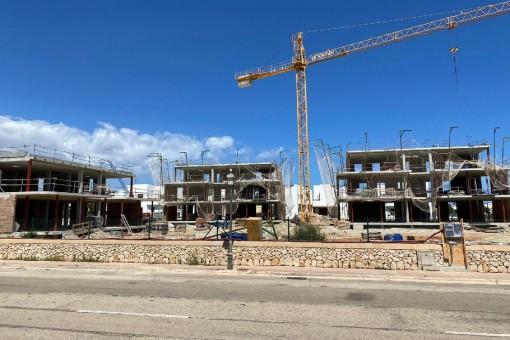 Hochwertige Erdgeschosswohnung in einem Neubaukomplex mit Pool und Strandnähe in Cala d'Or