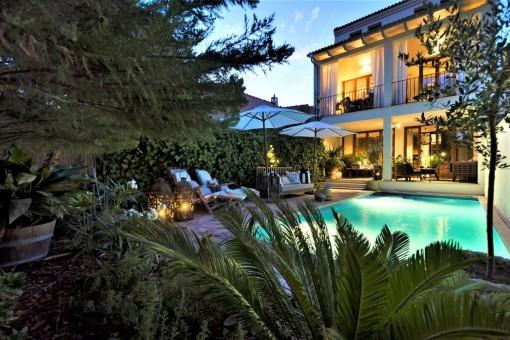 Liebevoll saniertes Stadthaus auf 3 Etagen mit Pool in Alaró