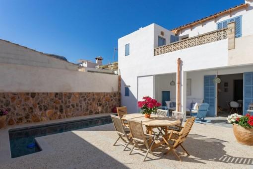 Renoviertes Stadthaus in Meeresnähe mit Pool und wunderbarer Aussicht in Colonia de Sant Pere