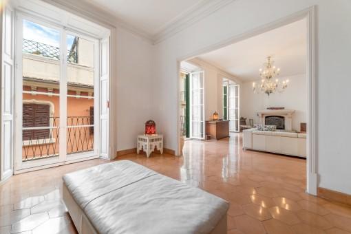 Noble Wohnung über 3 Ebenen, mit traumhaftem Blick auf Kathedrale und aufs Meer im La Lonja Viertel